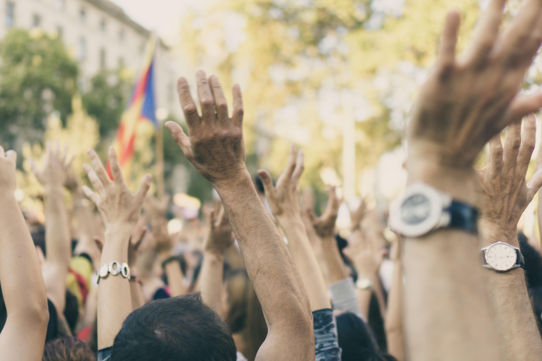 hands up movement